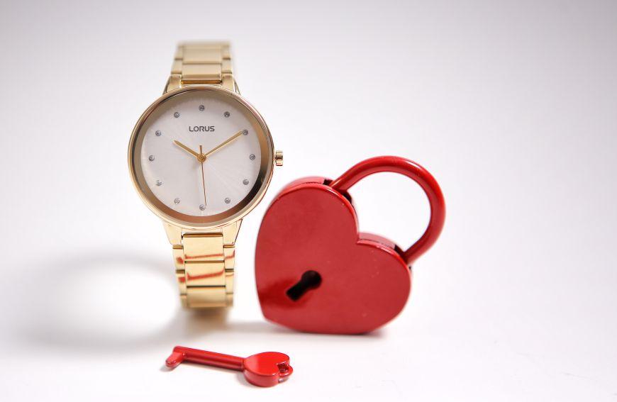 Damski zegarek Lorus kłódka serce lifestyle